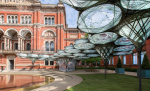 Жесткокрылый павильон приземлился в Лондоне