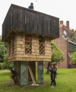 В Лондоне построили павильон из обожжённой кедровой древесины