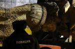 Монтаж памятника князю Владимиру начинается на Боровицкой площади в Москве