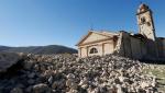 Падающие памятники Церкви и ратуши, пострадавшие от землетрясений в Италии. Фотогалерея