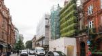 Живая стена: простой и элегантный способ замаскировать здание на реконструкции