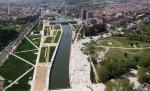 6 городов, преобразовавших автомагистрали в городские парки