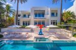 Модельер Томми Хилфигер выставил на продажу виллу в Майами