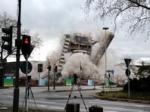 В Бонне под ликование толпы взорвали экс-символ города