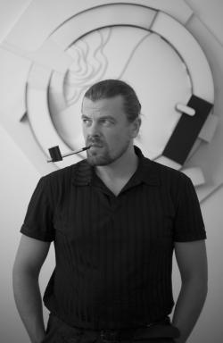 Роман Леонидов