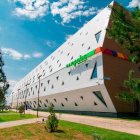 Иннополис: делаем красивые фасады с ROCKPANEL Woods и надежно утепляем здания с ROCKWOOL ВЕНТИ БАТТС двойной плотности