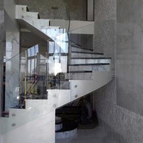Система стеклянных ограждений F40 – качество, стиль и надежность от Студии Архитектуры Подвижного Стекла ЮБК