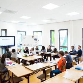 Исследования британских университетов в области акустики в школах