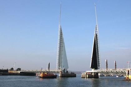 Мост Twin Sails