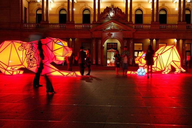 Инсталляция «Цифровые тигры оригами». © LAVA
