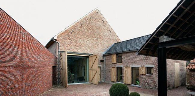 Первое место в номинации «Дом для одной семьи» - Rabbit Hole. Архитекторы Bart Lens, Hasselt. Фотографии: Philippe van Gelooven и Bieke Claessens.