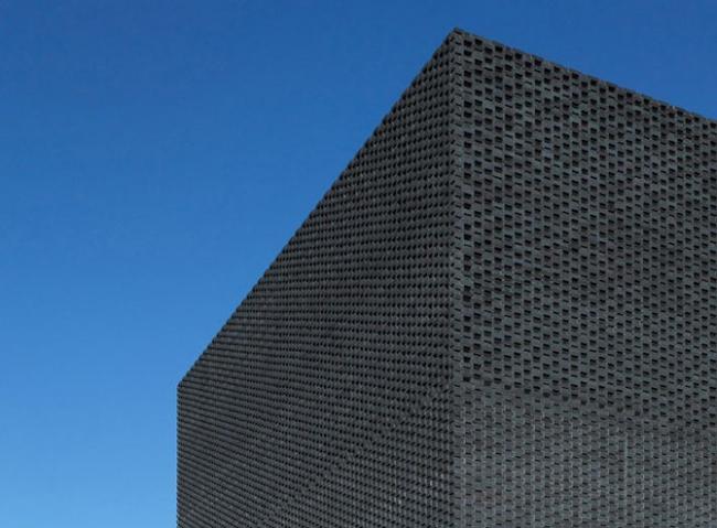 Приз в категории «Нежилое здание» - Substation for 2012 Olympic Park. Архитектурная мастерская NORD (Глазго, Шотландия).