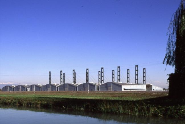 Производственные и административные корпуса Benetton в Кастретто ди Веллорба, Тревизо. Афра и Тобиа Скарпа. 1980-2011. Фото предоставлено Biennale di Venezia