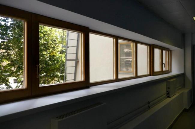 Спальный блок, окно коридора. Фотография Е.Шорбан, 2013