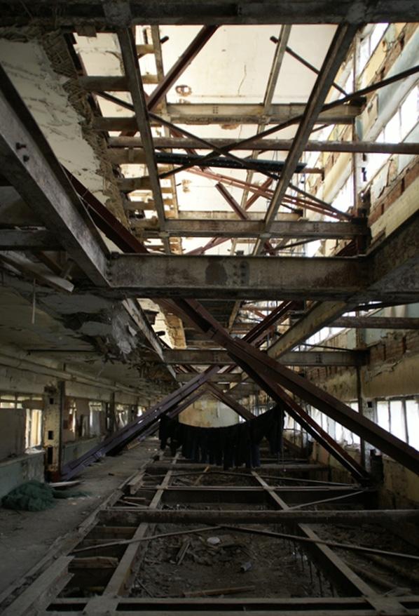 Спальный блок внутри без перекрытий. Фотография А.Яковлева, 2007