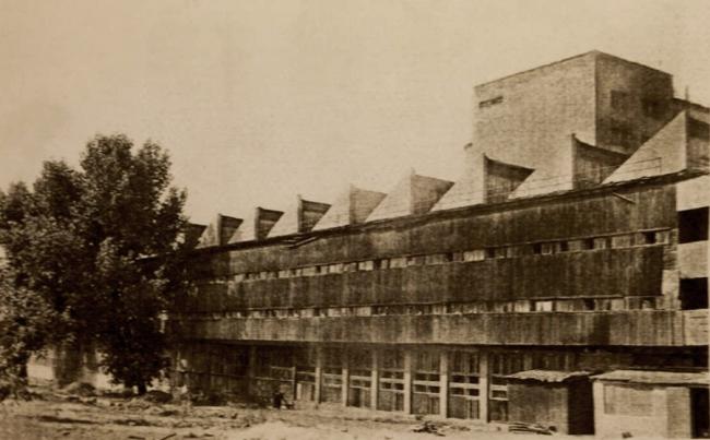 Общественный корпус зданий. Фасад. Архивная фотография. Предоставлена Е. Шорбан