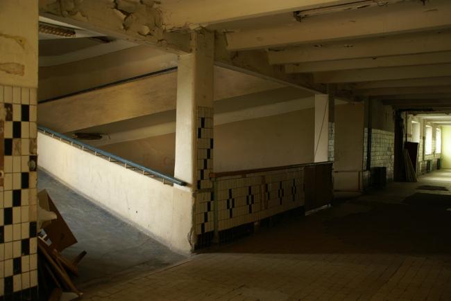 Пандус, вид из коридора. Фотография А.Яковлева, 2007