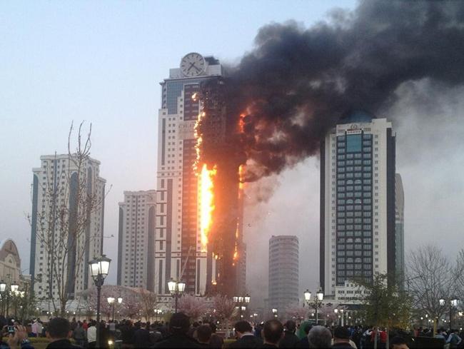 Пожар в жилом комплексе 3 апреля 2013. Фото с сайта www.forum.newparadigma.ru