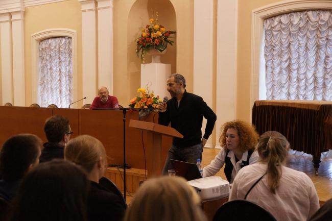 Левон Айрапетов выступает на семинаре в Вологодском техническом университете. Ноябрь 2013. Фото предоставлено Юрием Анисимовым
