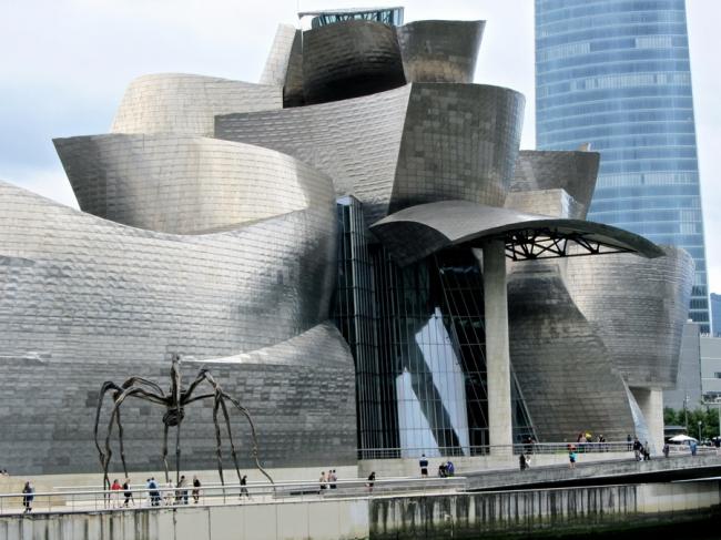 Музей Гугенхайма в Бильбао. Фото © Дмитрий Аранчий