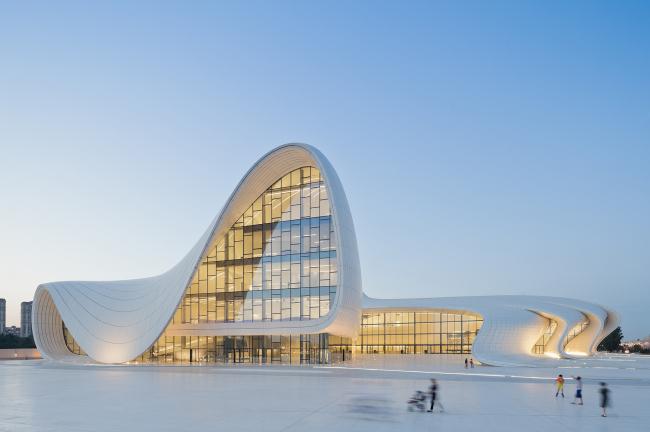 Центр Алиева Захи Хадид назван лучшим архитектурным произведением по версии лондонской премии «Дизайн года»