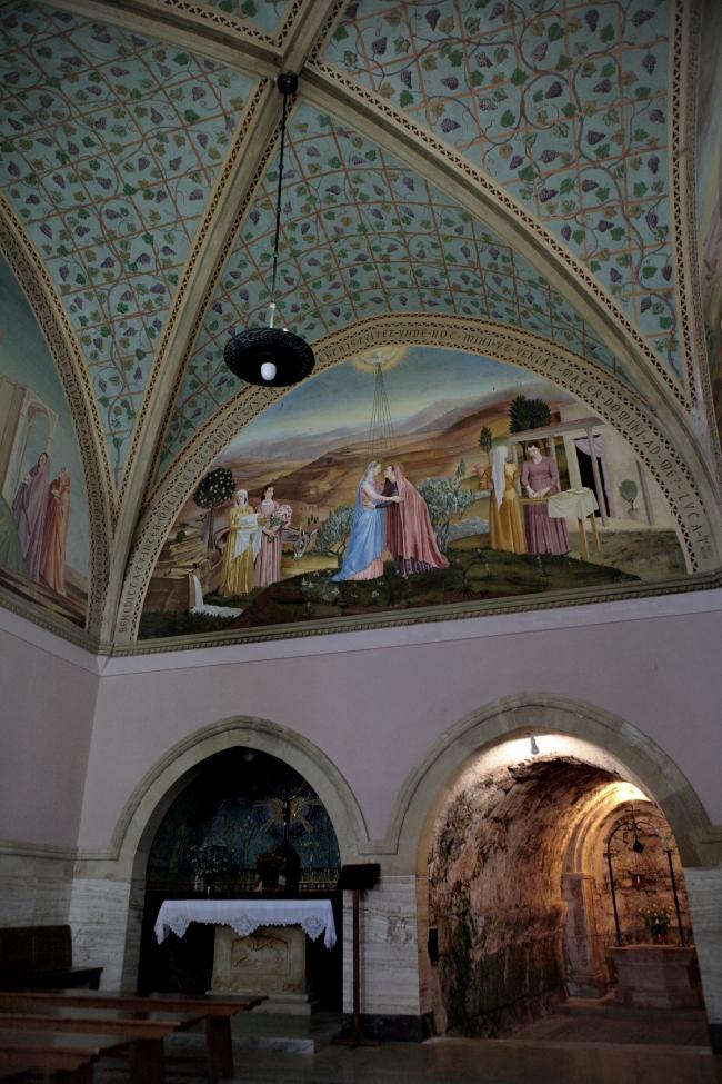 Интерьер нижней церкви в Айн-Кареме (не связан с А. Барлуцци). Фотография Л.К. Масиеля Санчеса