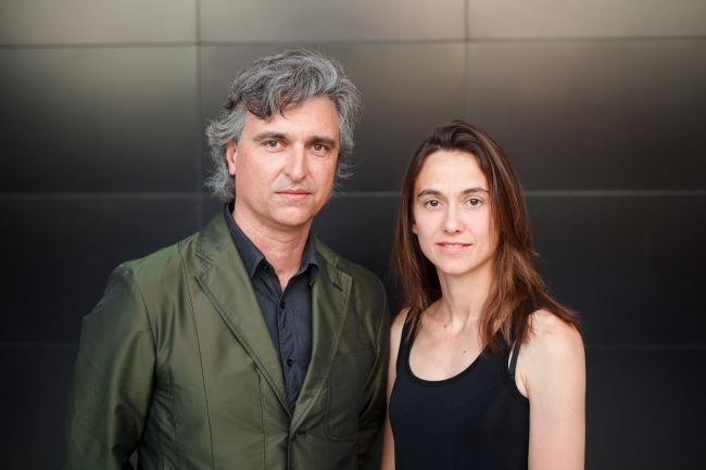 Антон Гарсия-Абриль и Дебора Меса в институте