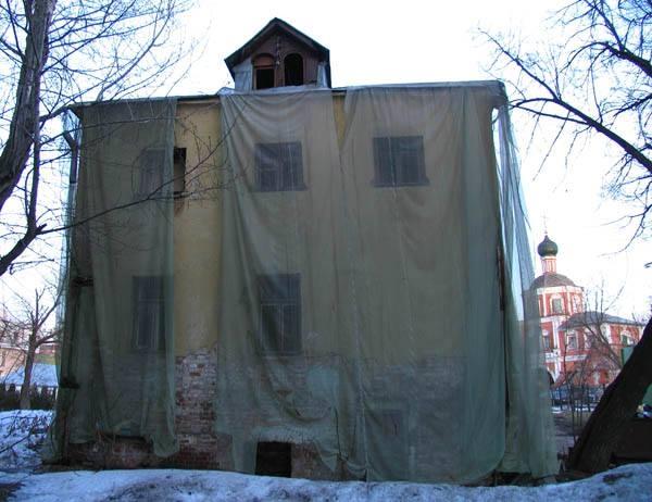 Под видом реставрации разрушены палаты Киреевского
