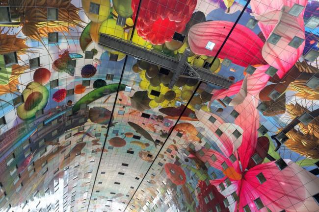 Фото | Внутри крытого рынка в Роттердаме Markthal