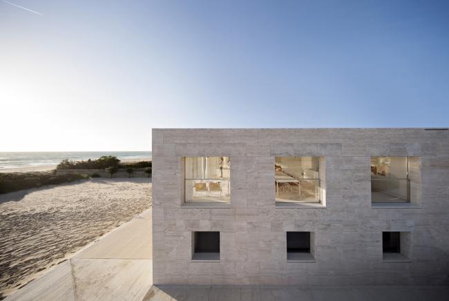 Вилла на берегу Атлантического океана в Испании