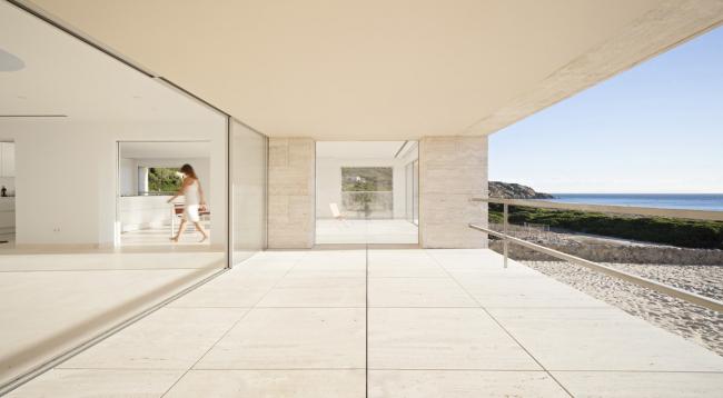 «Дом бесконечности» в Испании. Проект Альберто Кампо-Баэс