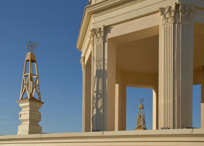«Имперский дом» Михаила Белова. Фотография: Анатолий Белов