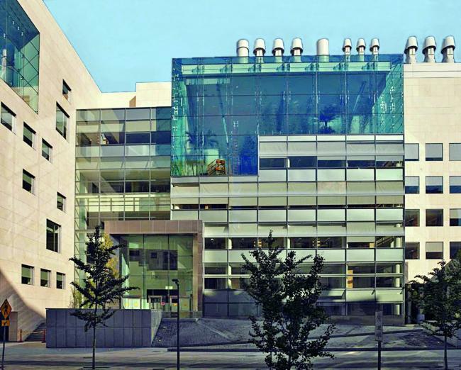 Центр неврологии Массачусетского технологического института в Кембридже. 2005