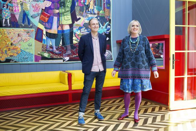Авторы проекта: слева – Чарльз Холланд (FAT), справа – Грейсон Перри в образе Джули Коуп © Katie Hyams