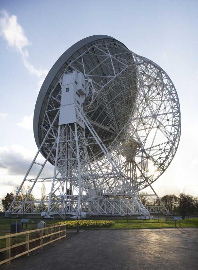 Центр открытия науки обсерватории Джодрелл-Бэнк. Радиотелескоп Ловелла © Hufton & Crow