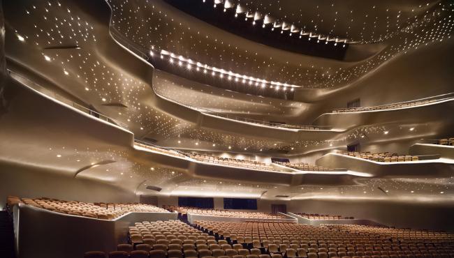 Оперный театр в Гуанчжоу. 2011 © Virgile Simon Bertrand