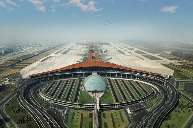 Международный Аэропорт Пекина – Терминал 3. Фото: AloTrip International Limited via Wikimedia Commons. Лицензия CC-BY-SA-3.0