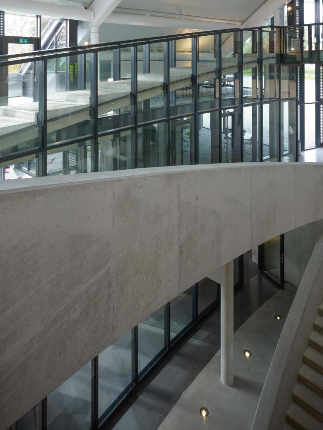 Корпус Карналей школы-пансиона «Институт Ле Розе» © Christian Richters