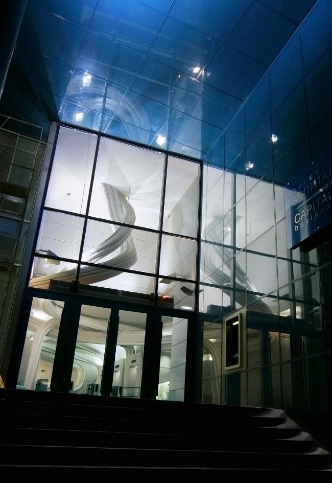 Входная зона бизнес-центра «Капитал Тауэр»  на 1-й Брестской улице © Архитектурная мастерская Сергея Эстрина