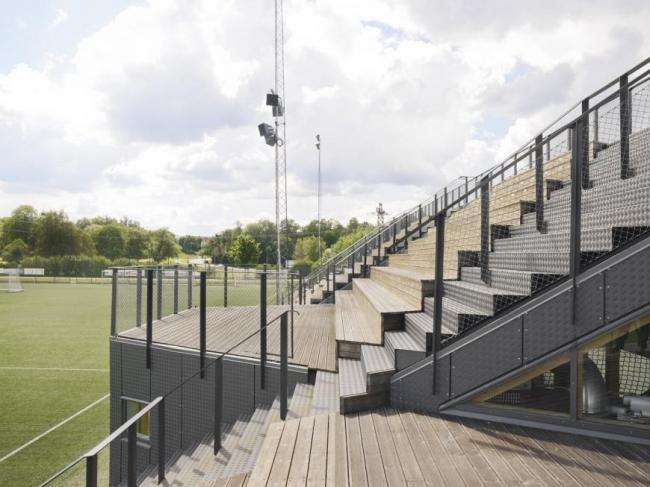 Мини-стадион Лидингёваллен (Швеция).  Динелл Йоханссон. Изображение предоставлено WAF