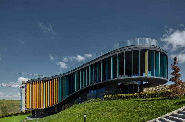 Шоу-рум и офис продаж ONS Incek Турция).  Yazgan Design Architecture. Изображение предоставлено WAF