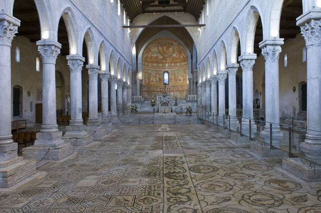 Интерьер патриаршей базилики в Аквилее. Напольная мозаика – IV в. © Gianluca Baronchelli
