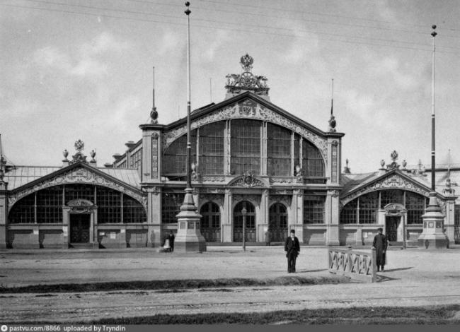 Фасад главного подъезда Всероссийской промышленно-художественной выставки в Москве, 1882 год  (фото «Шерер, Набгольц и Ко»). Фото: http://pastvu.com/p/8866