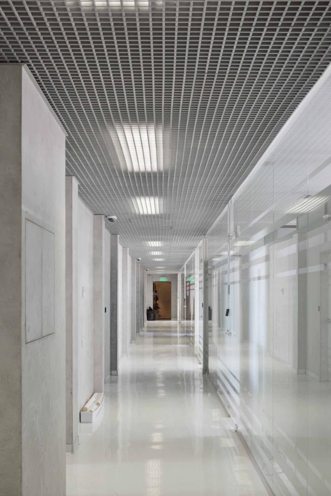 Офисное здание на ул. 2-ая Боевская. Интерьер 3-4 этажей. Фотография © Алексей Народицкий