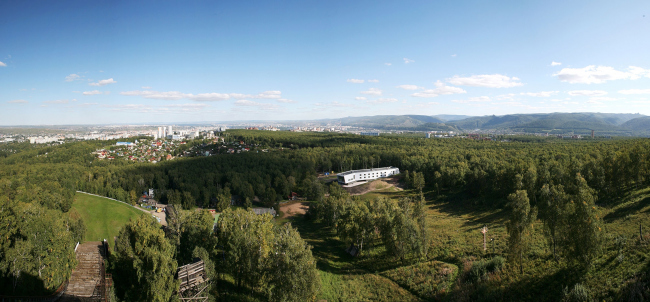 Спортивно-тренерский блок «Горный». Вид с Николаевской сопки © proa2.ru Фотография: Артем Элли
