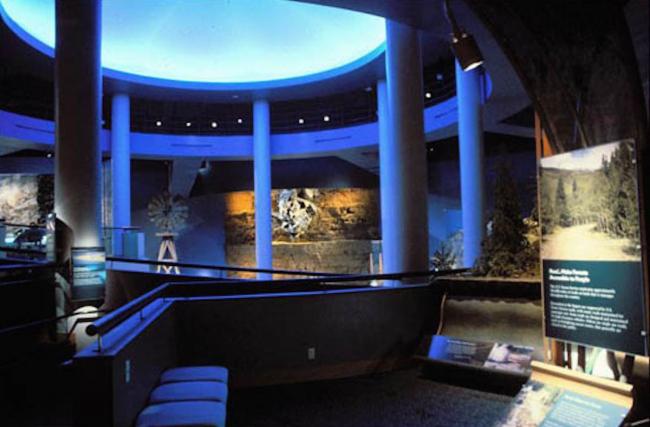 Реновация Художественной галереи Йельского университета, 1994. Светодизайнер Steven Hefferan. Источник: richardkellygrant.org