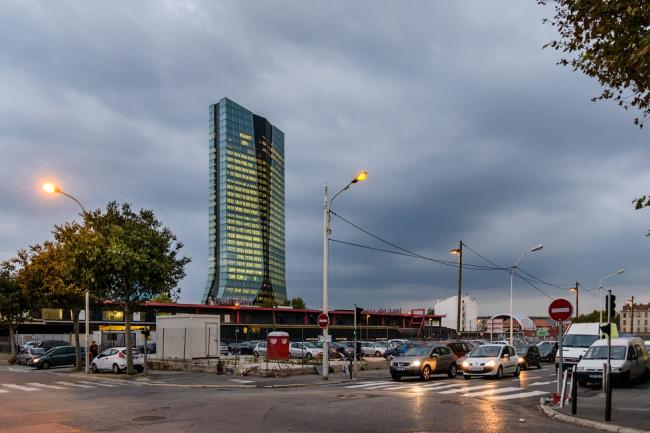 Штаб-квартира CMA CGM. Арх. Заха Хадид. Фото: Василий Бабуров