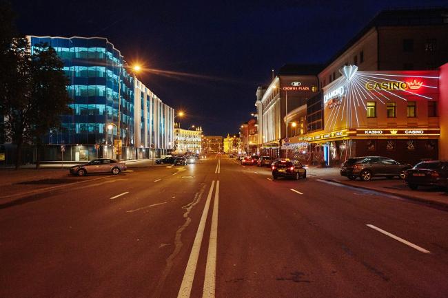 Бизнес-центр «Kiroff». Ночный вид. Реализация, 2014 © Белзарубежстрой