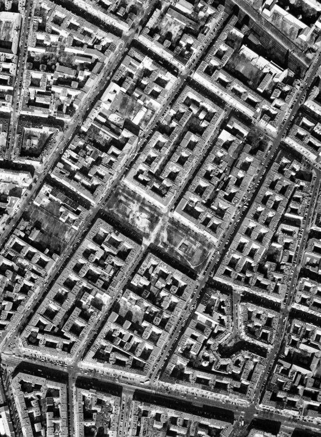 Аэрофотосъёмка застройки Берлина кайзеровских лет. Изображение предоставлено издательством «БуксМарт»