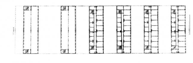 Планы надземных этажей жилого и фабричного комплекса «Мейерс гоф», Берлин, первая непостроенная версия. Изображение предоставлено издательством «БуксМарт»
